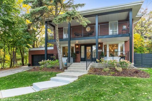 10456 South Longwood Drive, Chicago